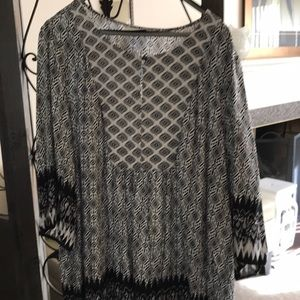 Plus size 26/28 black and white blouse 3/4 sleeve